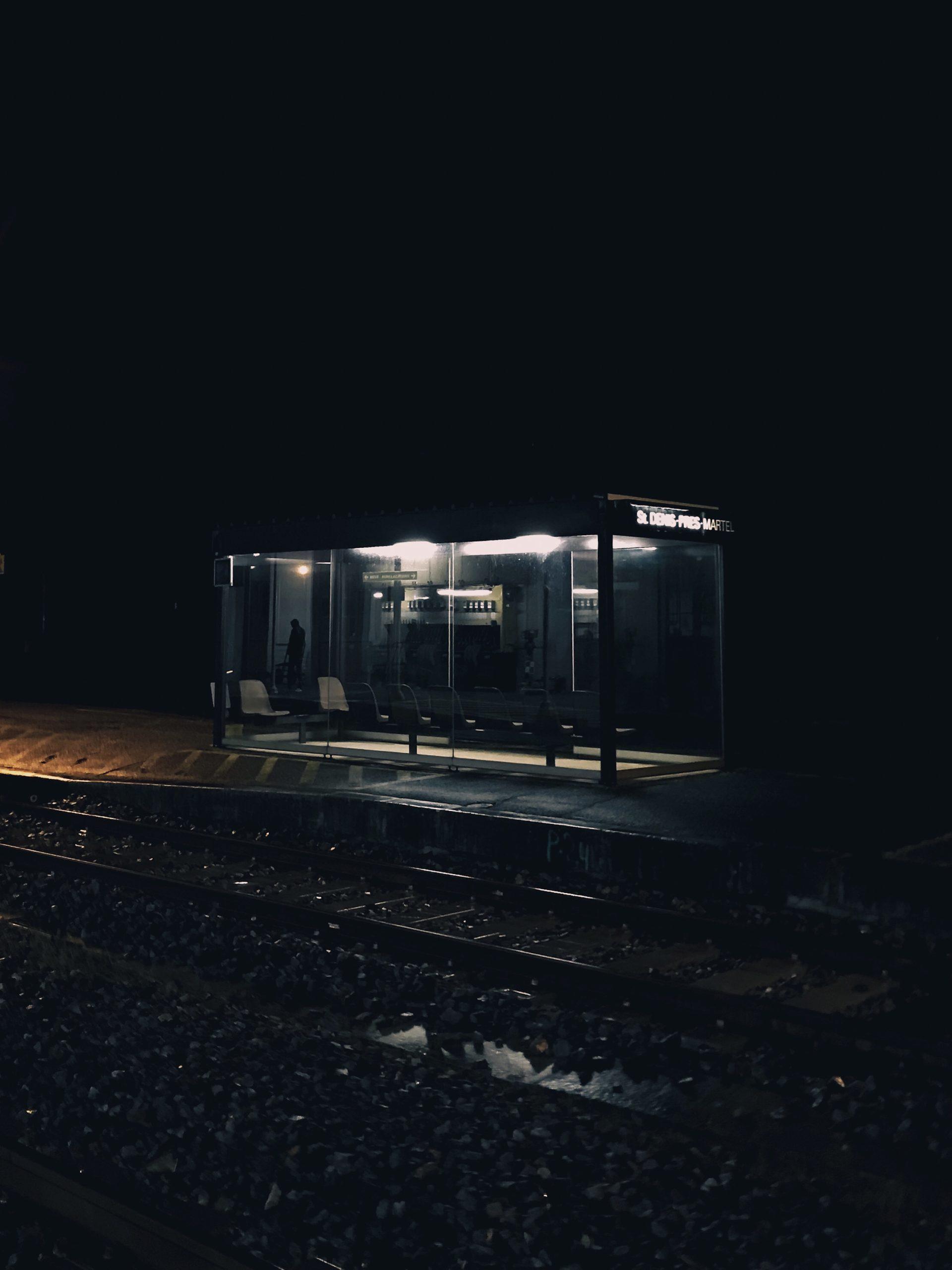 En attendant le train - Saint Denis près Martel