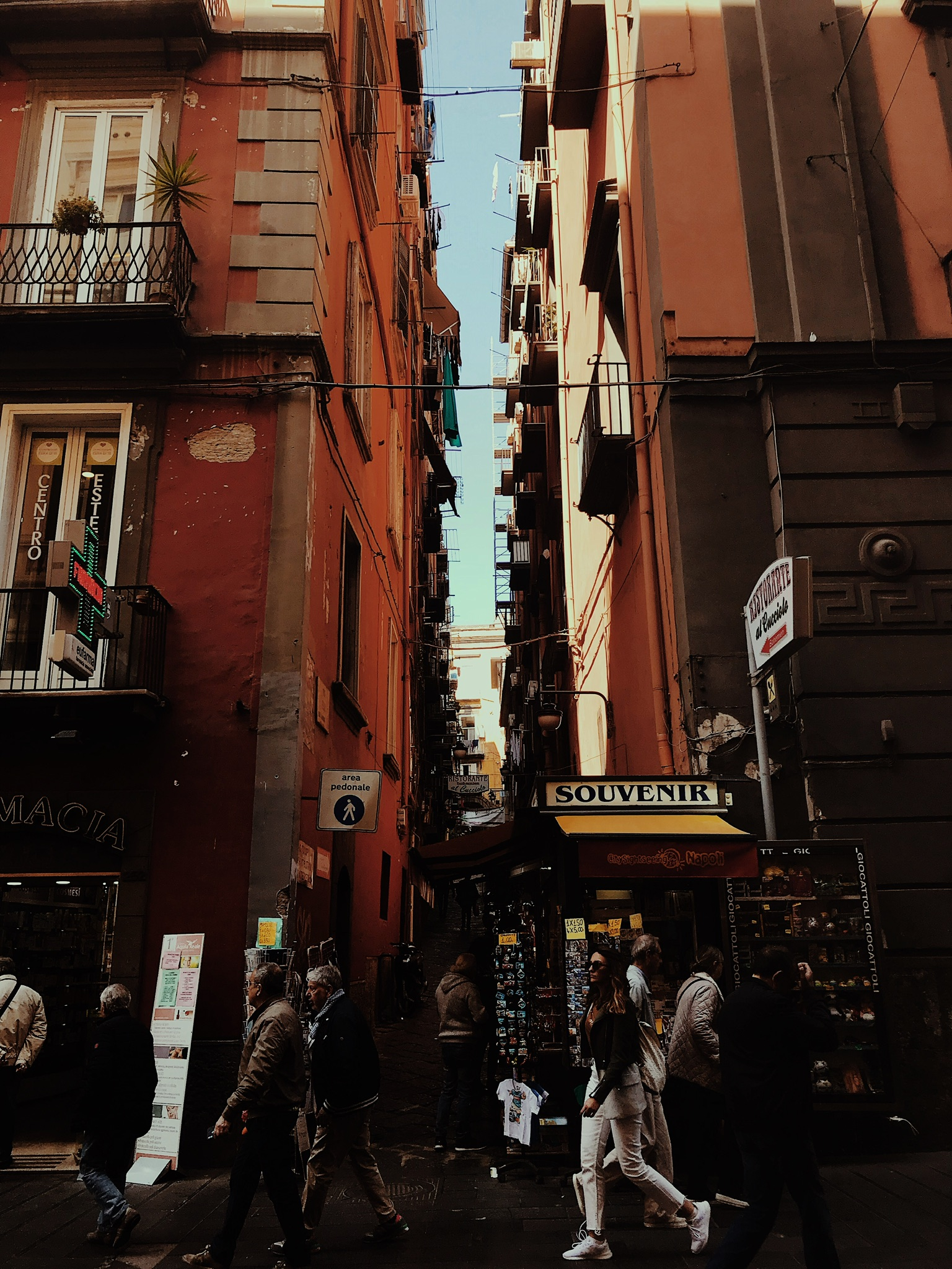 Rue Naples
